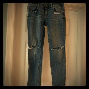 Vigoss jeans. Ripped knees